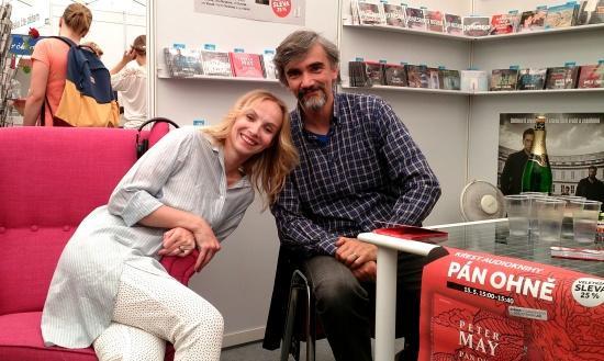 pan_ohne_krest_svet_knihy_2015_onehotbook